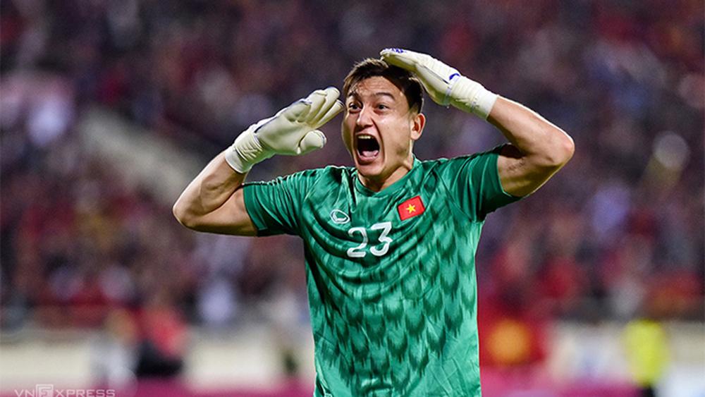 Vòng loại World Cup 2022  Việt Nam - Thái Lan (hiệp 1): Văn Lâm cản phá thành công quả 11m